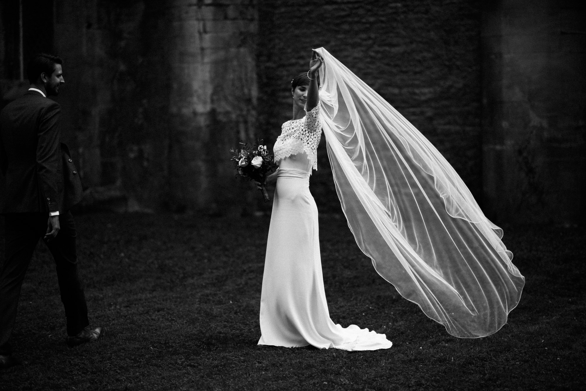 wedding photography at Malmsbury abbey